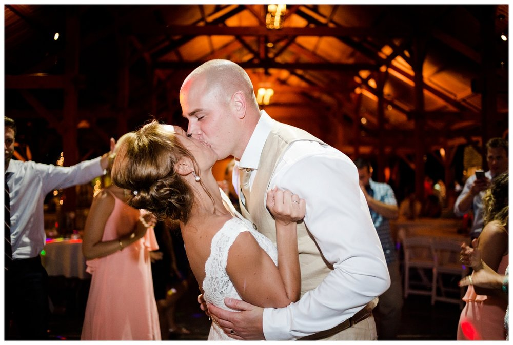 Cleveland Wedding Photographers Ashley and Todd_0140.jpg