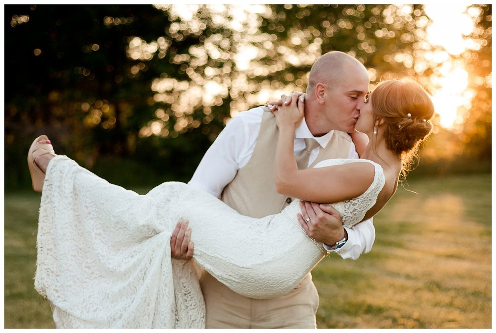 Cleveland Wedding Photographers Ashley and Todd_0103.jpg