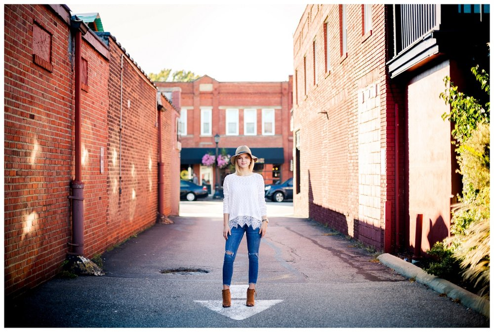 Downtown Willoughby Senior Session_0001.jpg