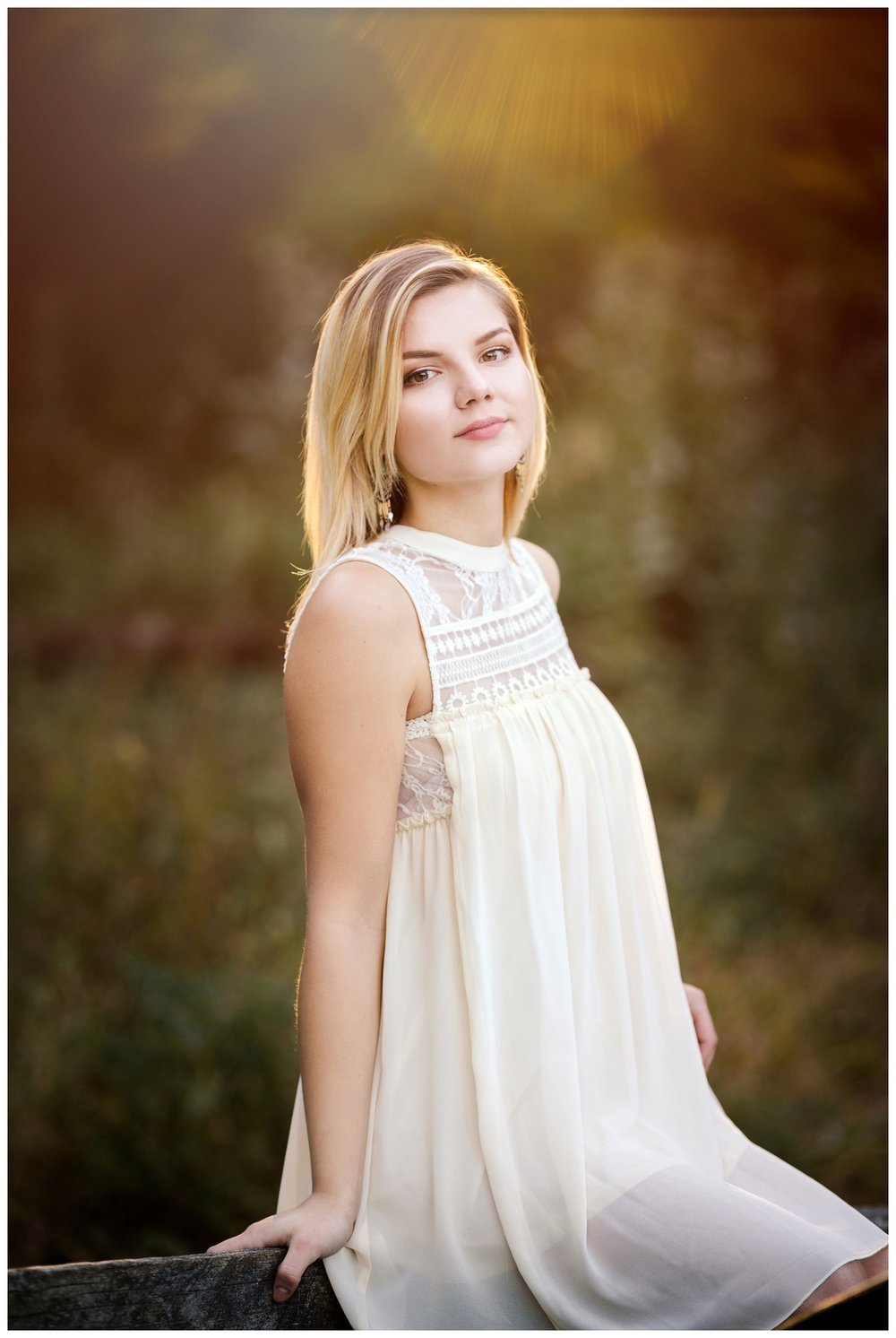 Downtown Willoughby Senior Session_0019.jpg
