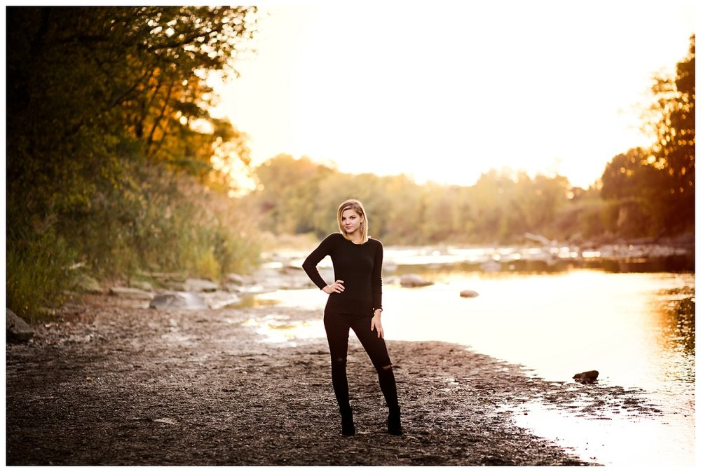 Downtown Willoughby Senior Session_0025.jpg