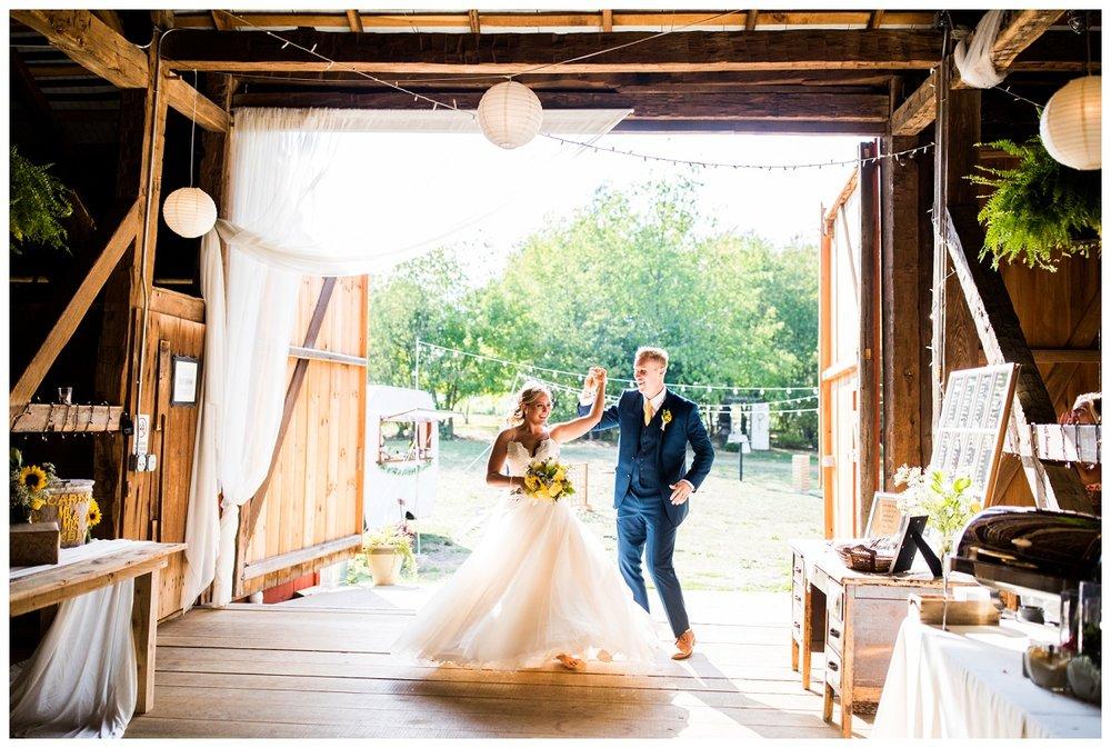 Gish Barn Wedding_0122.jpg