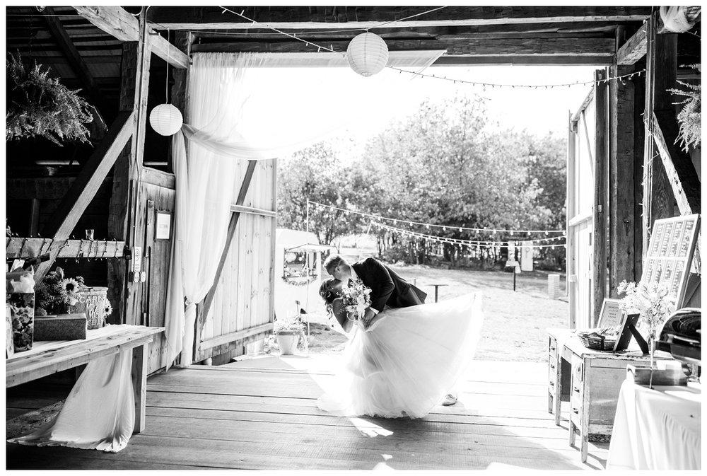 Gish Barn Wedding_0123.jpg