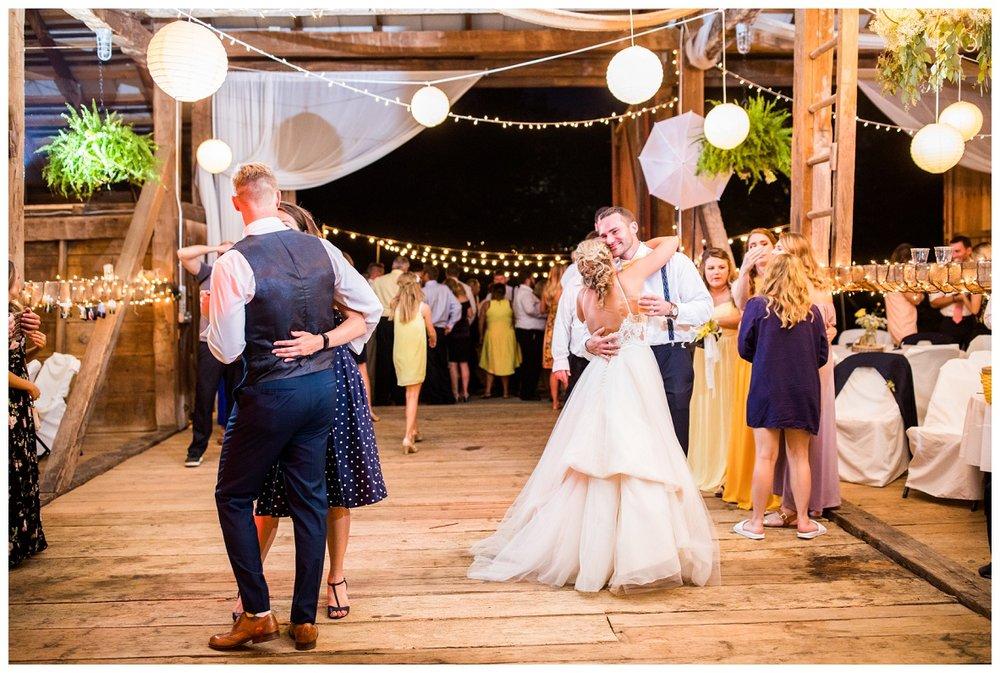 Gish Barn Wedding_0182.jpg