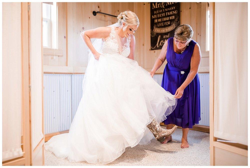 Nickajack Farm July Wedding_0014.jpg