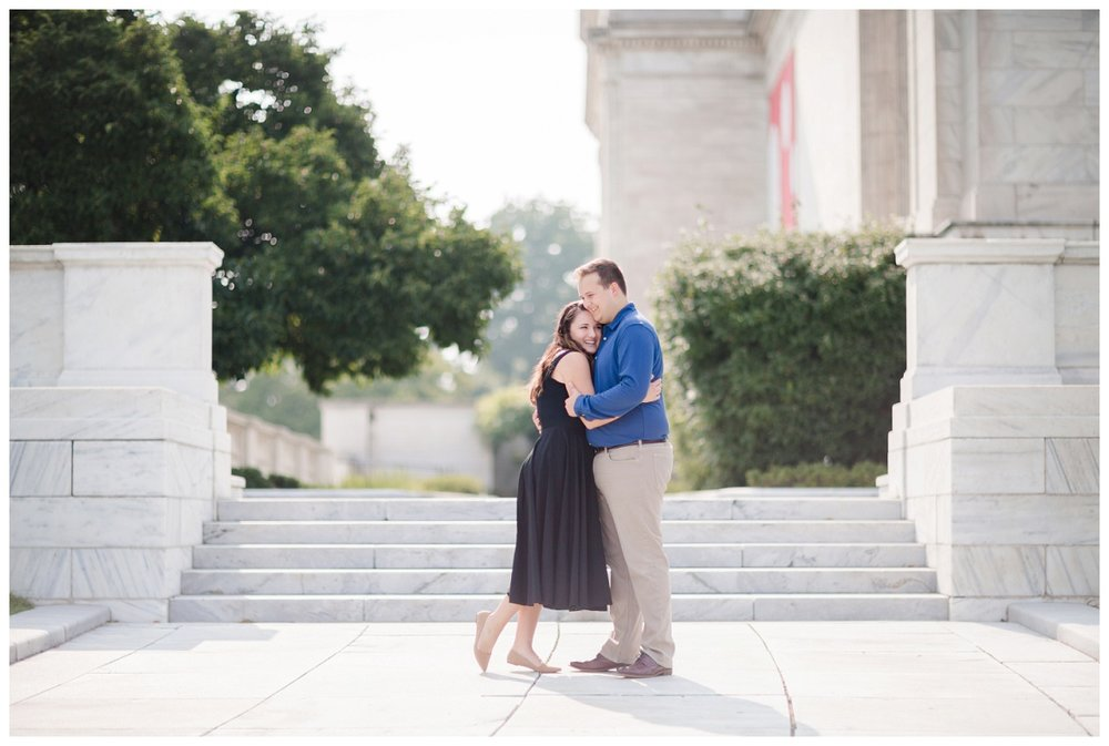 Cleveland Museum of Art and Edgewater Park Engagement Session_0003.jpg