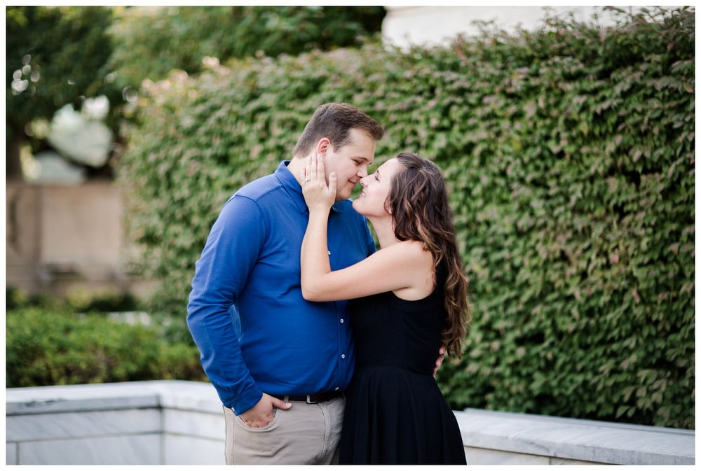 Cleveland Museum of Art and Edgewater Park Engagement Session_0009.jpg