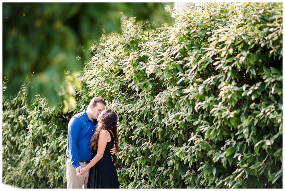 Cleveland Museum of Art and Edgewater Park Engagement Session_0014.jpg