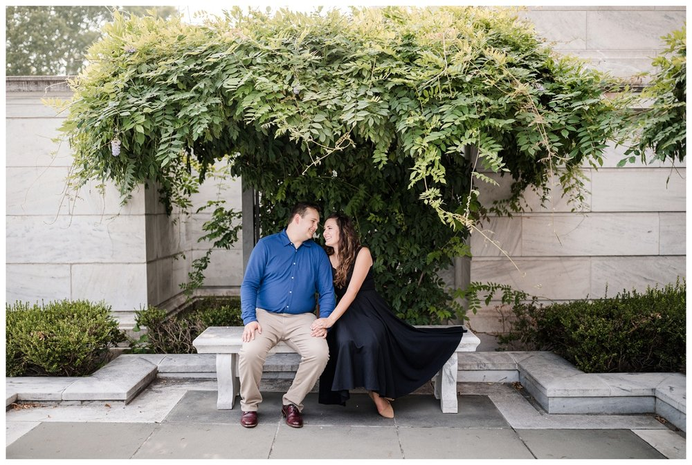 Cleveland Museum of Art and Edgewater Park Engagement Session_0015.jpg