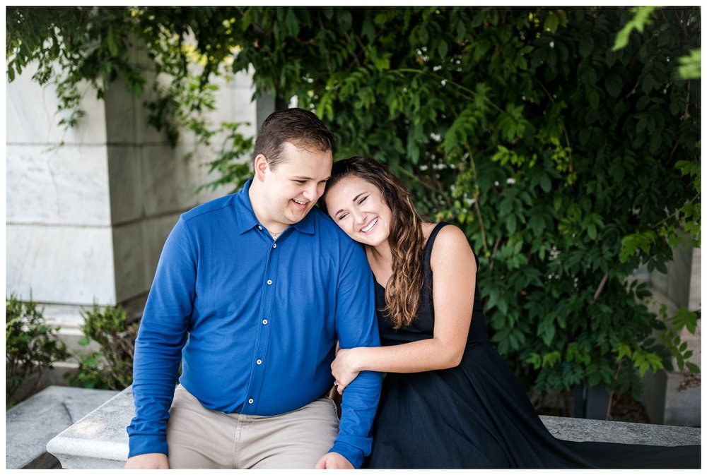 Cleveland Museum of Art and Edgewater Park Engagement Session_0017.jpg