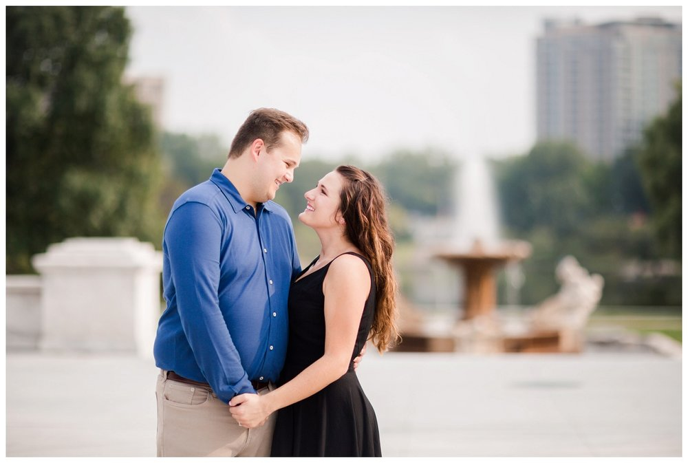Cleveland Museum of Art and Edgewater Park Engagement Session_0023.jpg