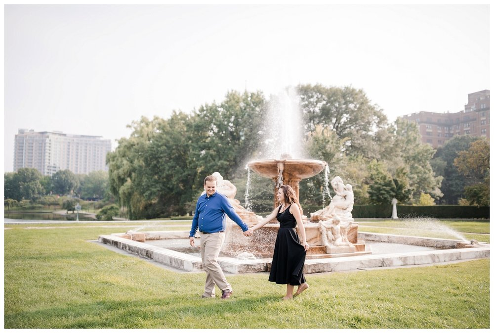 Cleveland Museum of Art and Edgewater Park Engagement Session_0029.jpg