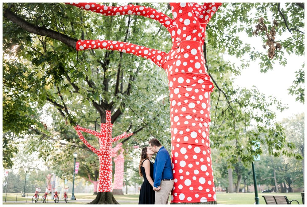 Cleveland Museum of Art and Edgewater Park Engagement Session_0043.jpg