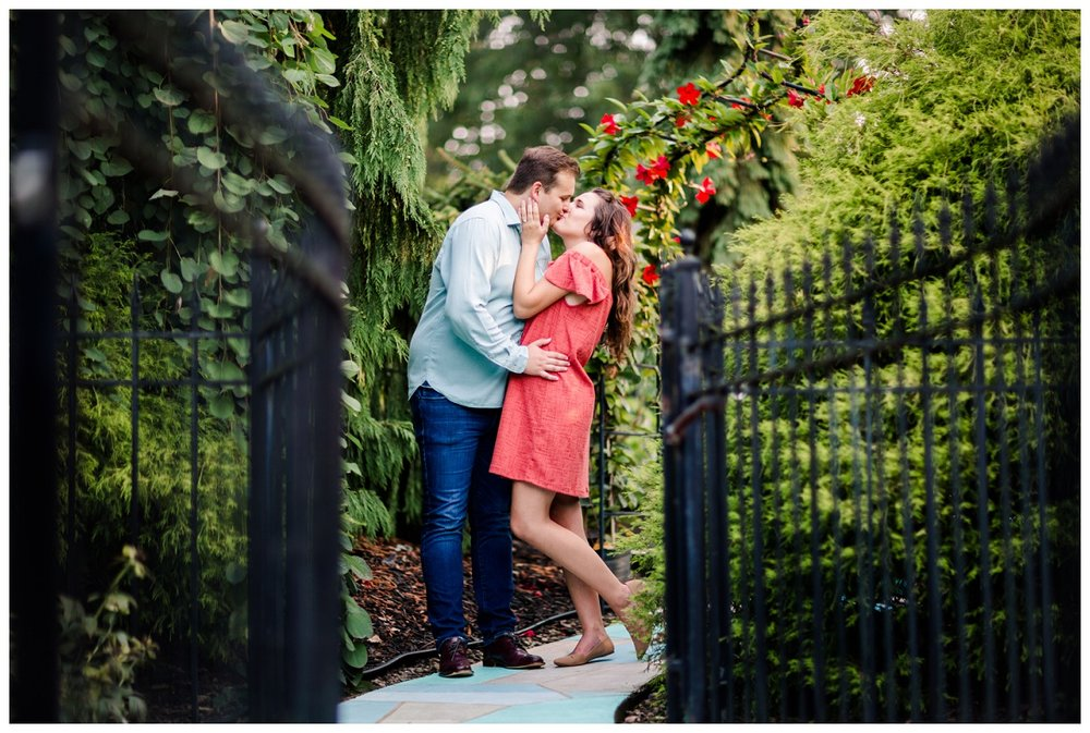 Cleveland Museum of Art and Edgewater Park Engagement Session_0046.jpg