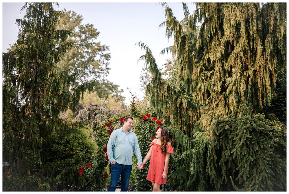 Cleveland Museum of Art and Edgewater Park Engagement Session_0051.jpg