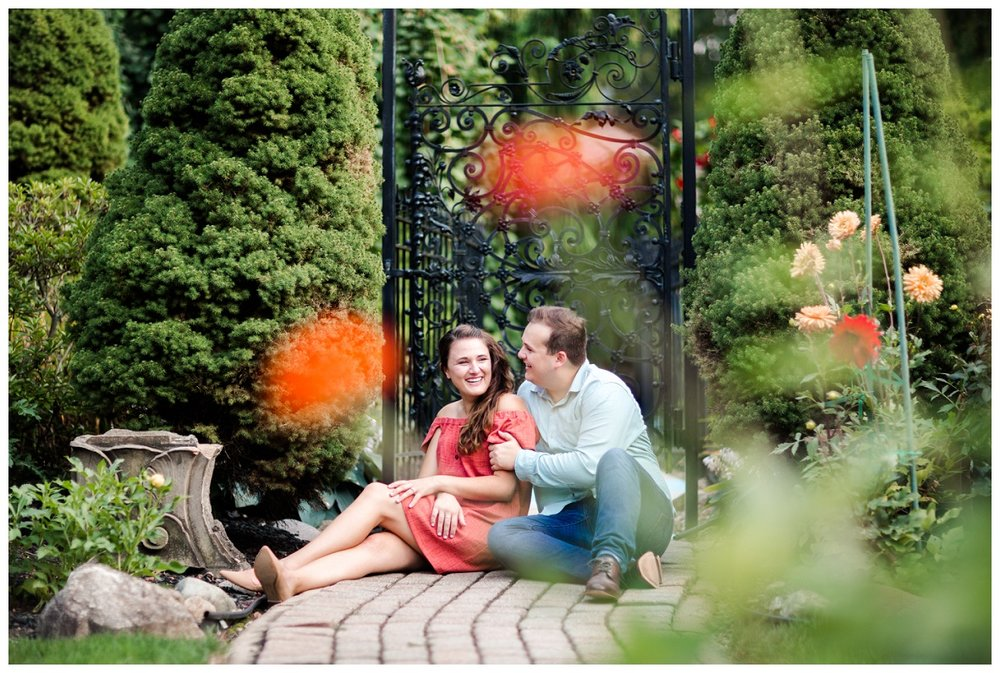 Cleveland Museum of Art and Edgewater Park Engagement Session_0053.jpg