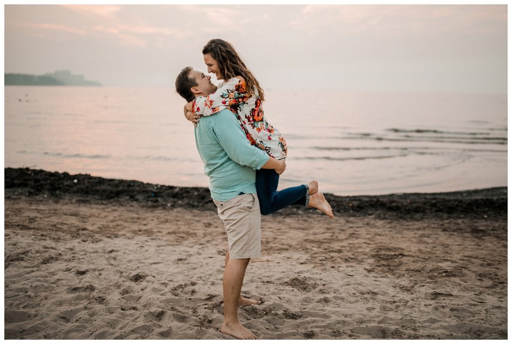Cleveland Museum of Art and Edgewater Park Engagement Session_0069.jpg