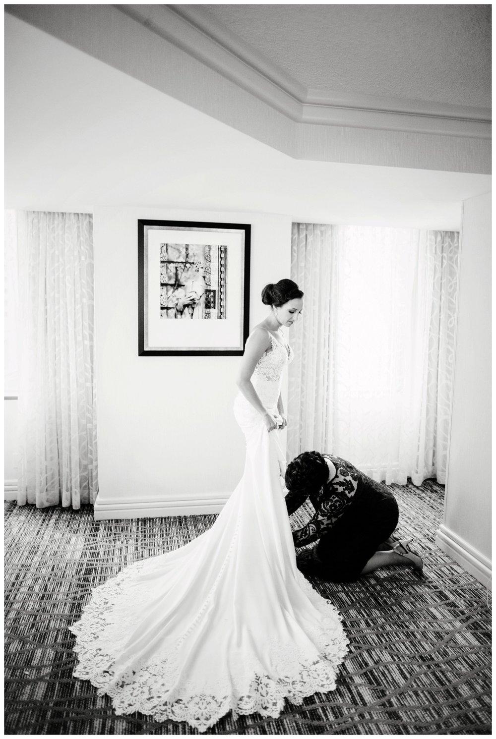Cleveland Marriott Downtown Wedding_0014.jpg
