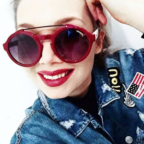 Red-carrera-sunglassed-bikbok-denim-jacket