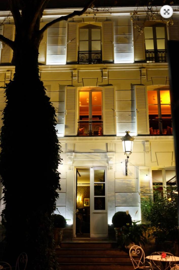 L'Hotel Particulier hâvre de fête du Montmartre huppé acceuille la Fondation Lorenzo Padilla.