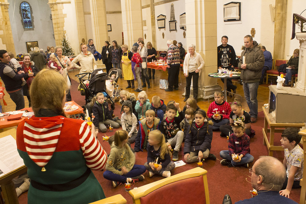 Storytelling at Christingle