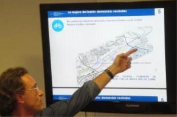 El arquitecto y urbanista Javier Herreros explica la red de movilidad ciclista