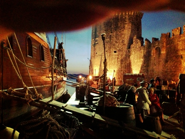 Jonathon Strange & Mr Norrell - port at night David Roger production design 2.jpg