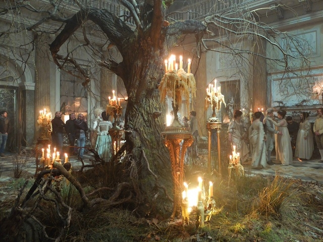 Jonathan Strange - tree in ballroom - design David Roger.JPG