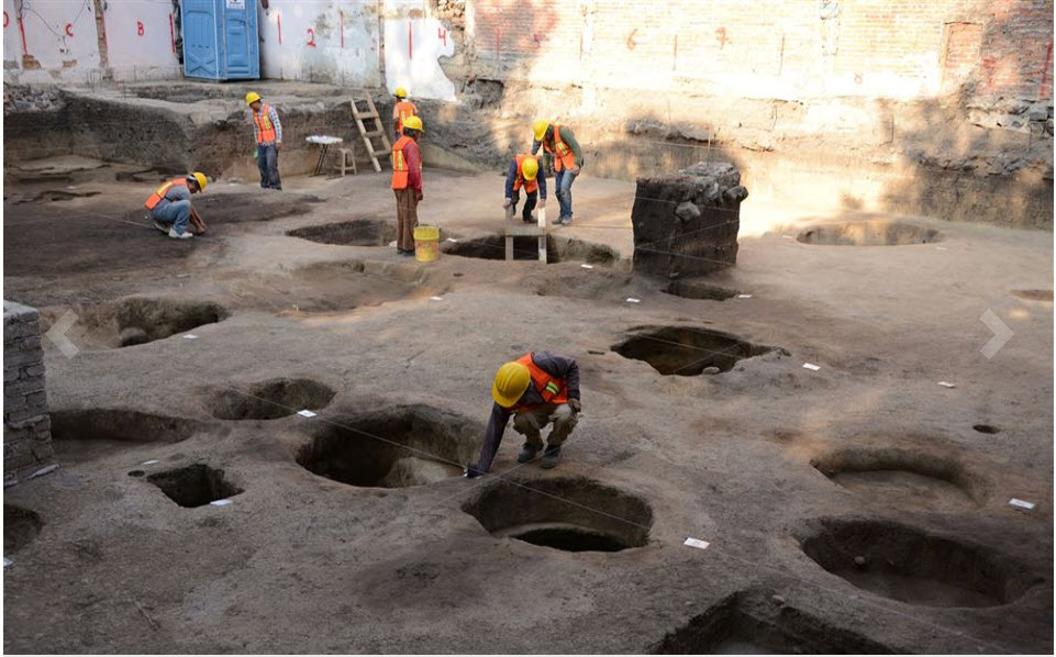 picture of the day. mexico city dig.jpg