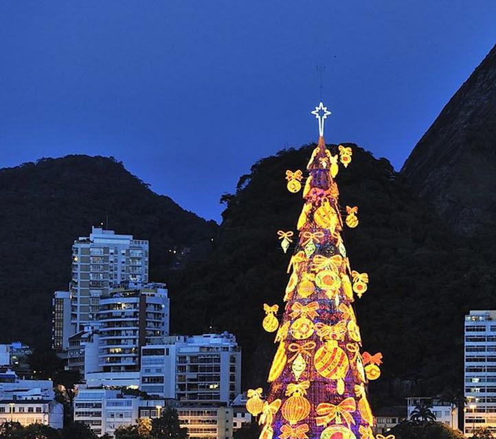 Floating Christmas tree, Rio de Janeiro
