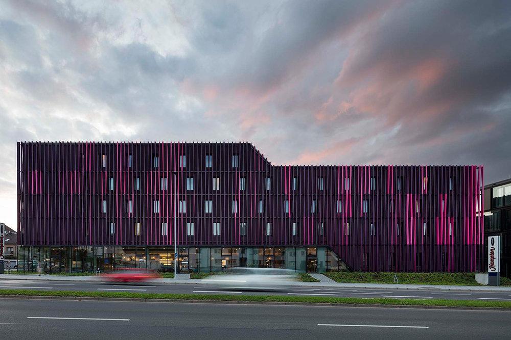 10_Hotel-Tivoli-Aachen_CROSS-Architecture.jpg