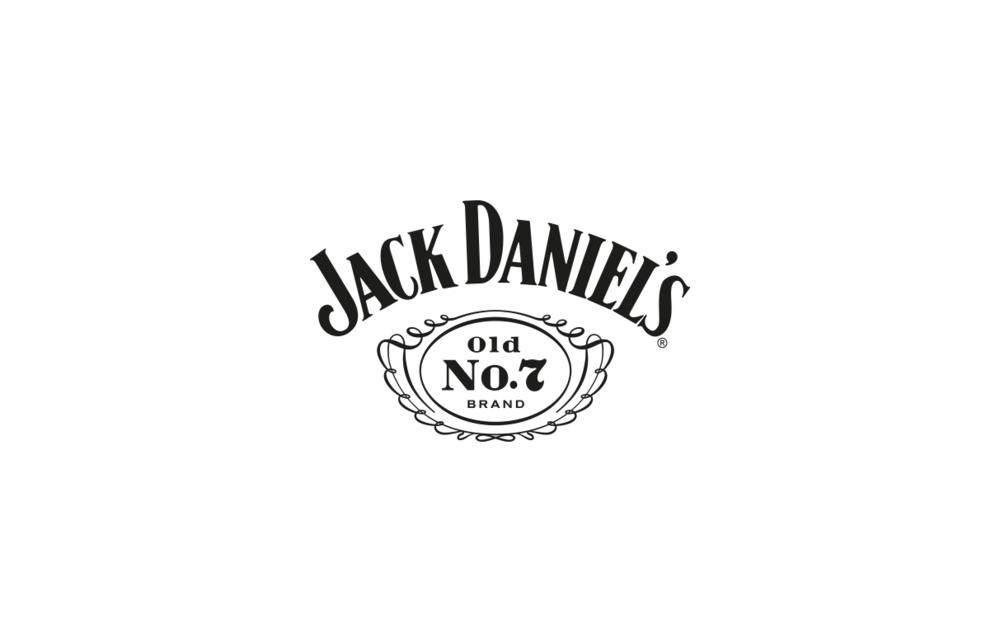 Jack Daniel's - Jack Daniel's è la storica distilleria situata a Lynchburg e ormai da 150 anni icona globale della produzione del whiskey.Stimata per il suo carattere forte, per la sua unicità e tradizione produttiva, distilla a Lynchburg ogni singola goccia ed è presente in tutto il mondo.