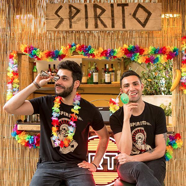 Spirito - Un cocktail bar dall'anima imprevedibile, una location nascosta nel cuore del Pigneto. Spirito è l'elegantissimo Speakeasy in stile newyorkese che si rifà all'era del proibizionismo, seguendo i dettami della clandestinità. Un enigmatico passaggio nell'insospettabile Premiata Panineria trasporta il pubblico in un luogo raffinato dove il bere diventa un'esperienza di stile e in cui l'alta qualità dei cocktail è garantita dalla ineccepibile professionalità dei suoi bartender.