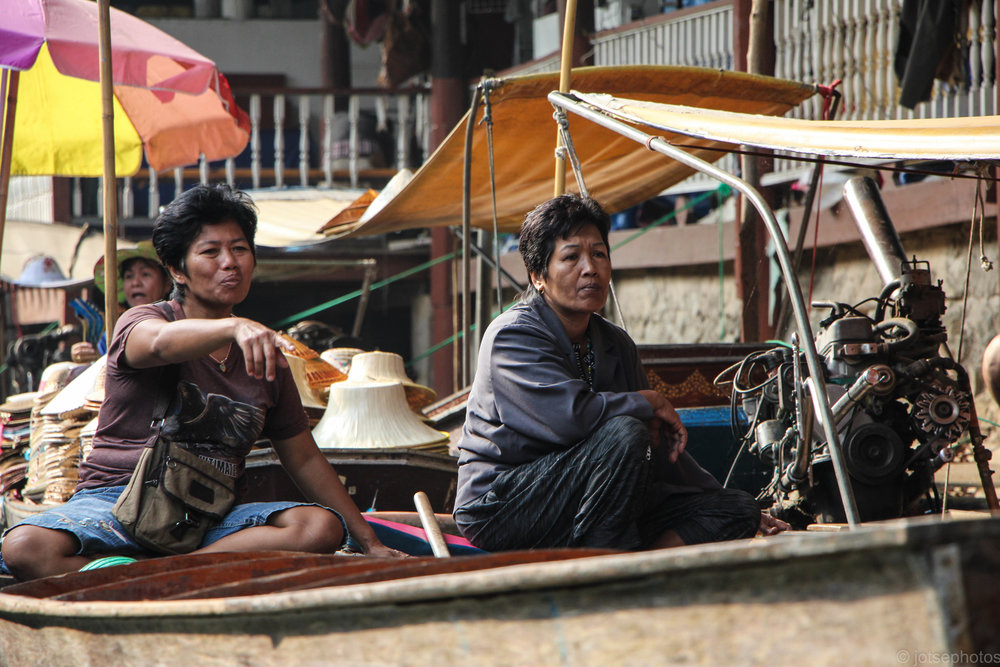 damnoen-saduak-floating-market_11916136396_o.jpg