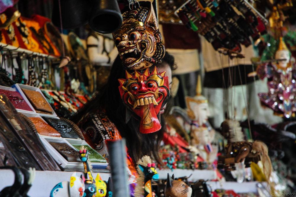 damnoen-saduak-floating-market_11916144756_o.jpg