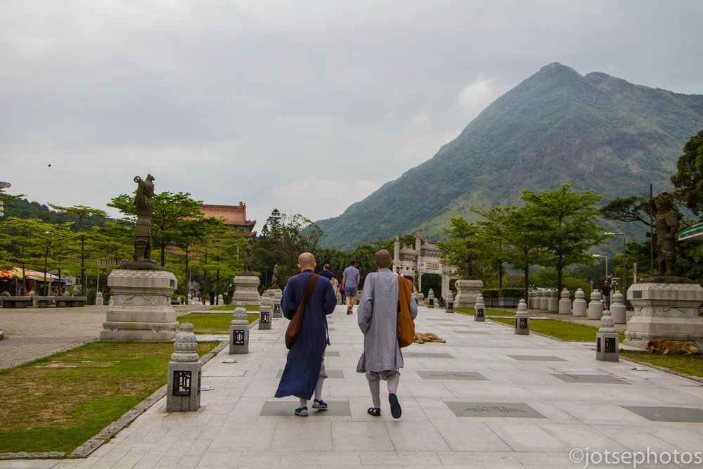 stroll-with-the-monks_27095515622_o.jpg