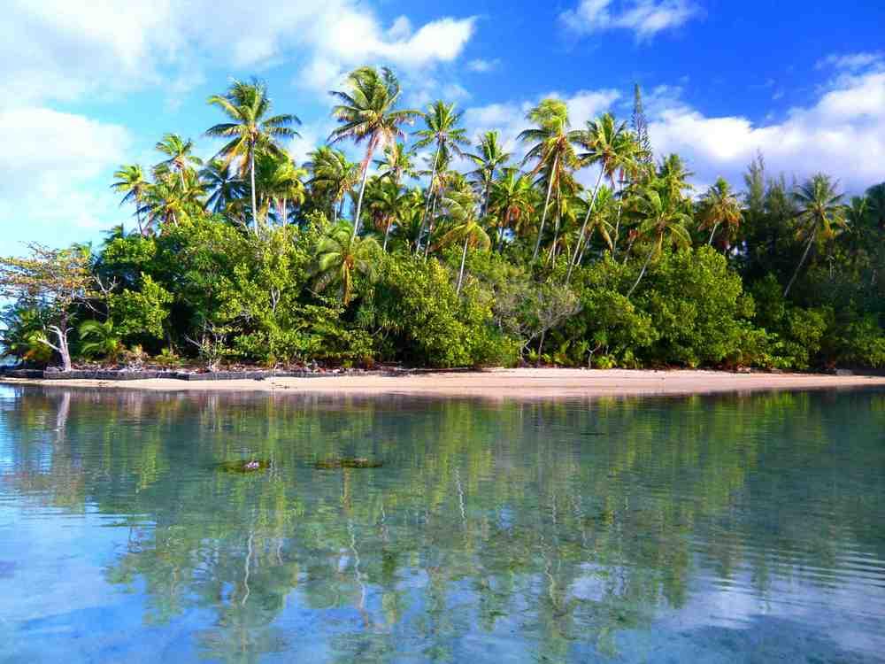 Tahiti new hut 082sm.jpg