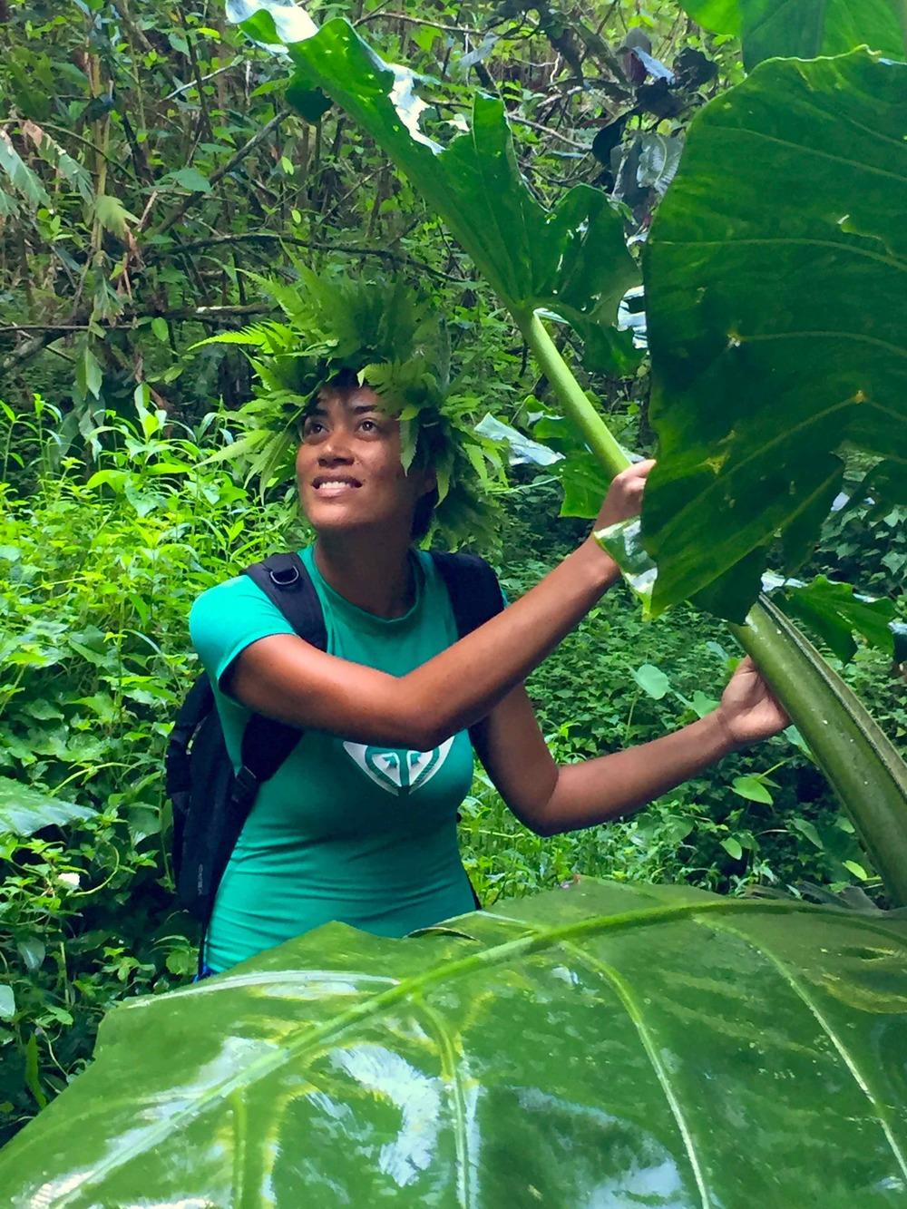 Cindy showing guests her wild Tahiti iti (Little Tahiti).