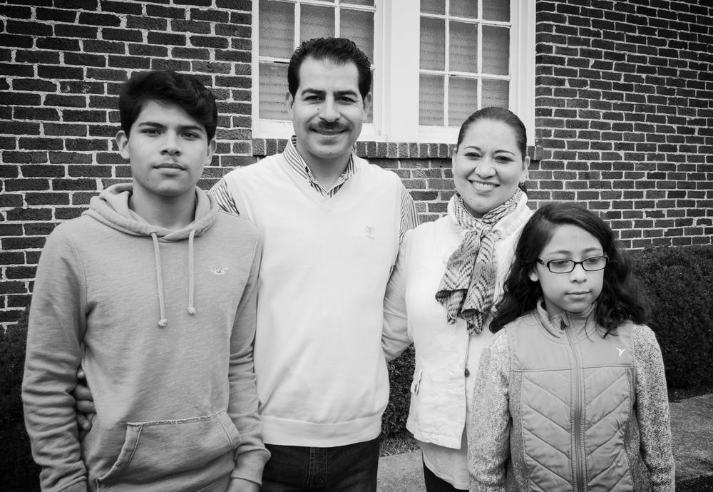 Familia López; Juan, Alejandra, Cristian y Citlali