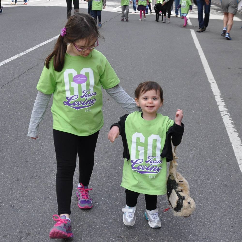 olivia-and-jocelyn-levine-at-the-2015-march-for-babies-walk_16730067380_o.jpg