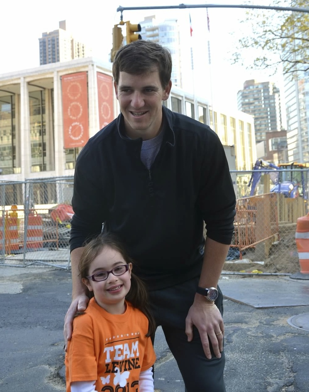 olivia-levine--eli-manning-at-the-2013-march-for-babies-walk_13096379175_o.jpg