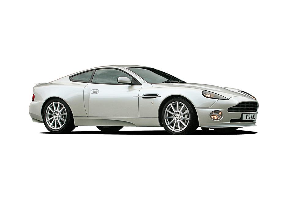 Aston Martin Vanquish Review Ccfs Uk