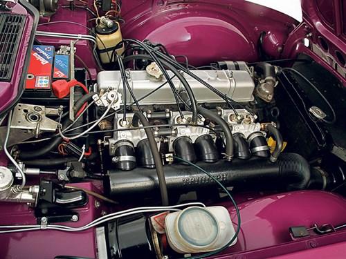 Triumph Tr6 Review   CCFS UK