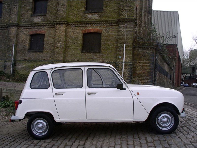 Renault 4 Review Ccfs Uk