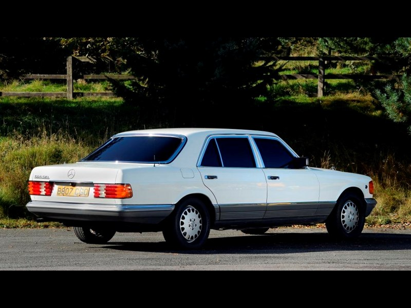 Mercedes_S-Class 2.jpg