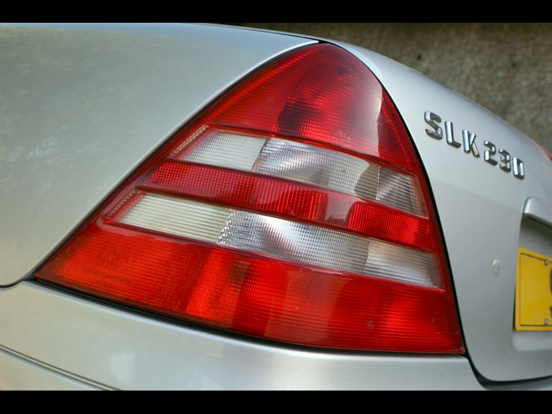 Mercedes_SLK_generation 9.jpg