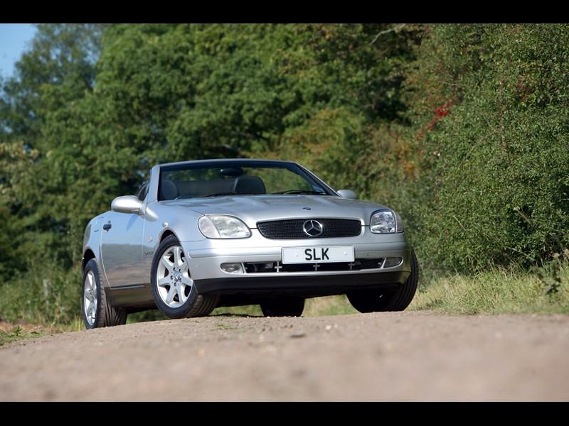 Mercedes_SLK_generation 13.jpg