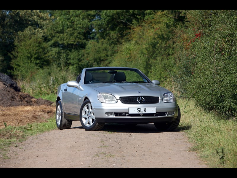 Mercedes_SLK_generation 14.jpg