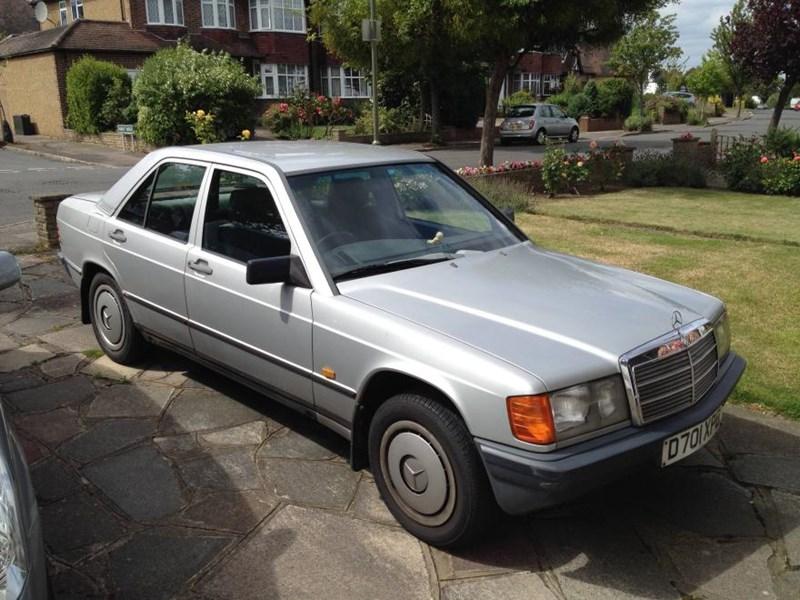 Mercedes benz 190 review ccfs uk mb 190 car 1g sciox Gallery