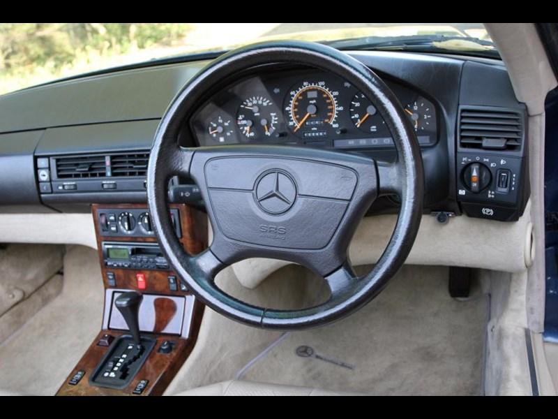 Mercedes_SL__R129__ID58033_880x587.jpg